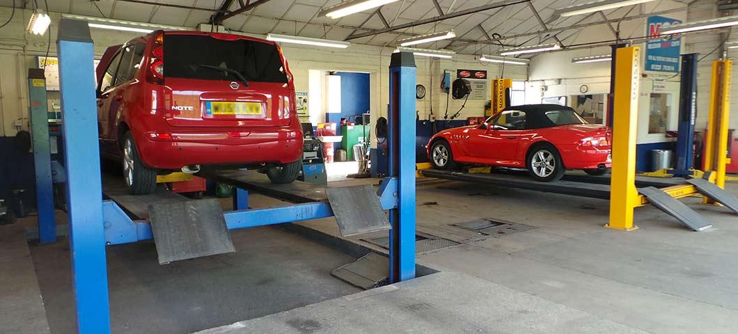 Garage wiltshire melksham carcare centre mots for Garage credit auto 0